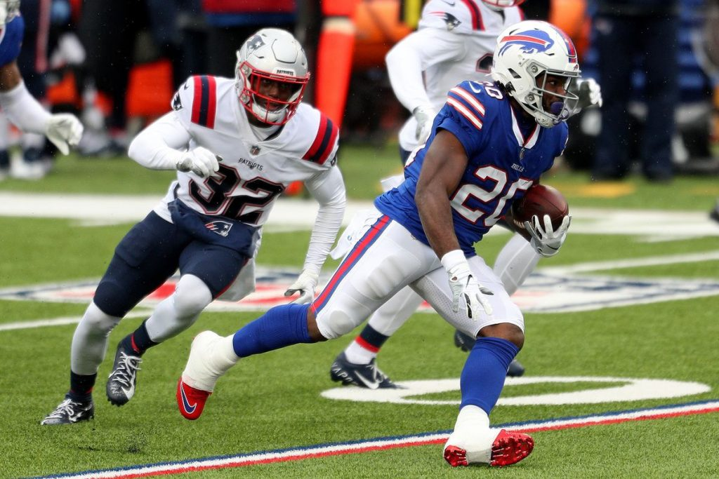 Moss week 9 waiver wire